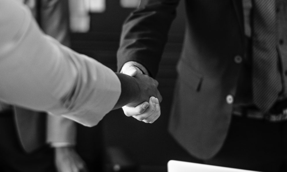 agreement-black-and-white-businesspeople-1282173